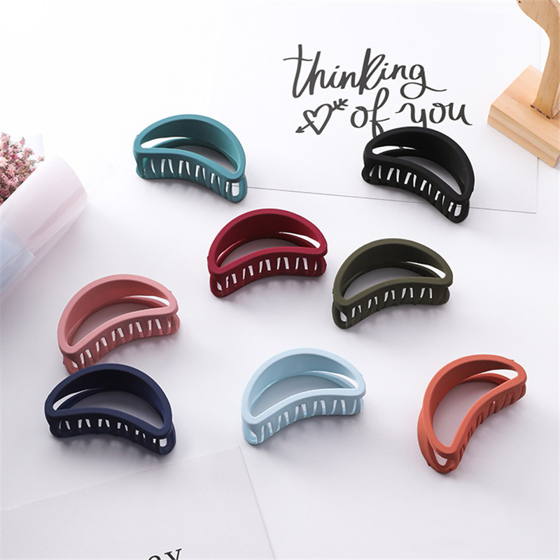 1pc Hairpin Frosted Hollow Curved Crab Shape Acrylic Simple Color With Half Ball Head Small Hair Clips Styling Tools Accessories