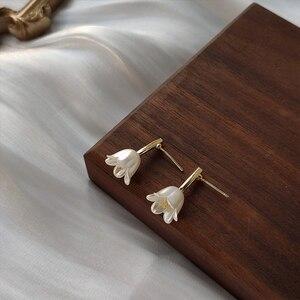 Французские Ретро шикарные элегантные маленькие свежие и простые дизайнерские белые серьги с цветами для женщин украшения для свадьбы Подарки|Серьги-гвоздики|   | АлиЭкспресс