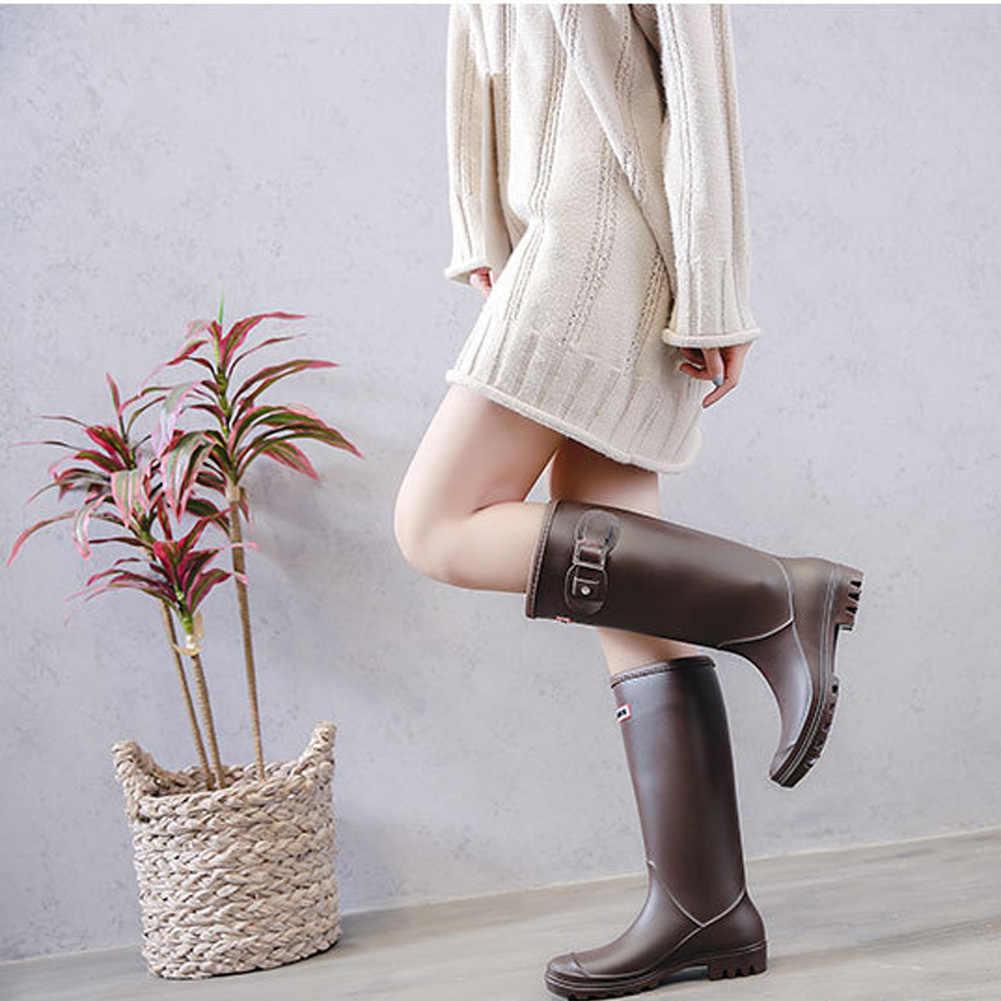 Kadınlar yüksek sıcak astarlı yağmur çizmeleri kış kaymaz su geçirmez yalıtımlı tokaları Pull-on soğuk hava yağa dayanıklı Wellington