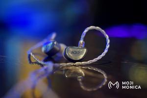 Image 4 - Moji Monica H20 액체 실리카 젤 DD + 2BA HiFi 사용자 정의 음악 모니터 스튜디오 Audiophile 뮤지션 2Pin 0.78mm 이어폰 이어 버드
