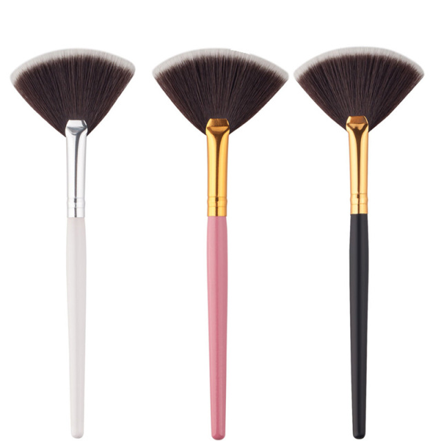 Professional Face Makeup Brush Fan Shape Highlighter Face Powder Brush Cosmetic Tools Accessories For Women Makeup Maquiagem
