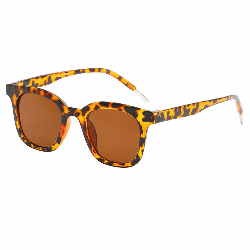 ヴィンテージレトロな小さな正方形サングラスブランドデザイナーファッションヒョウフレーム長方形サングラス女性 UV400 シェード