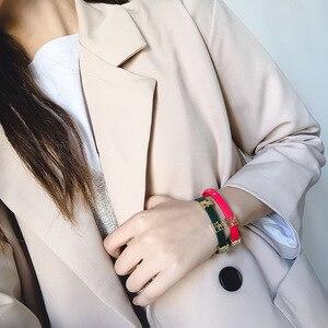 Image 5 - Глянцевый кожаный браслет для женщин из титановой стали с золотыми буквами и двойной петлей