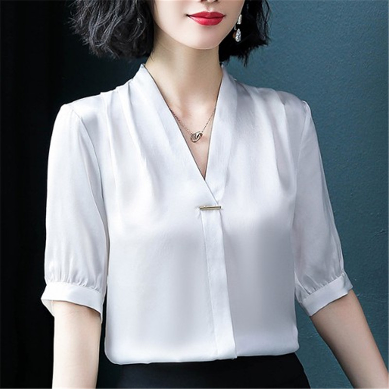 XXXL шелковая женская летняя одежда Корейская версия свободная атласная рубашка с v-образным вырезом и коротким рукавом профессиональная шел...