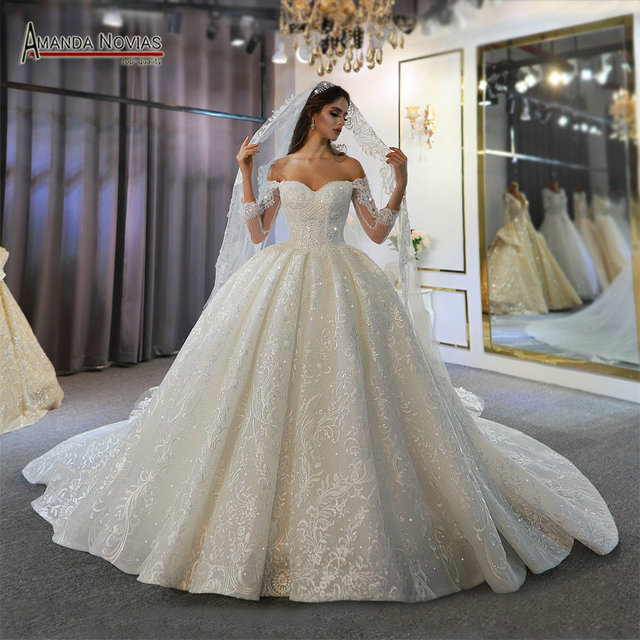 Off the shoulder long sleeves beautiful wedding dress lace bridal dress 2020