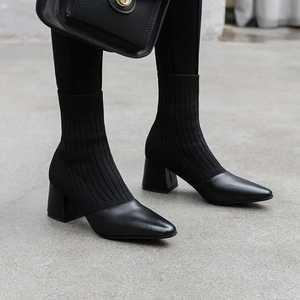 Image 5 - كرازينغ وعاء جديد المرقعة جلد البقر الحياكة الجوارب الأحذية جولة تو عالية الكعب موضة النساء الشتاء الانزلاق على حذاء من الجلد L2f1