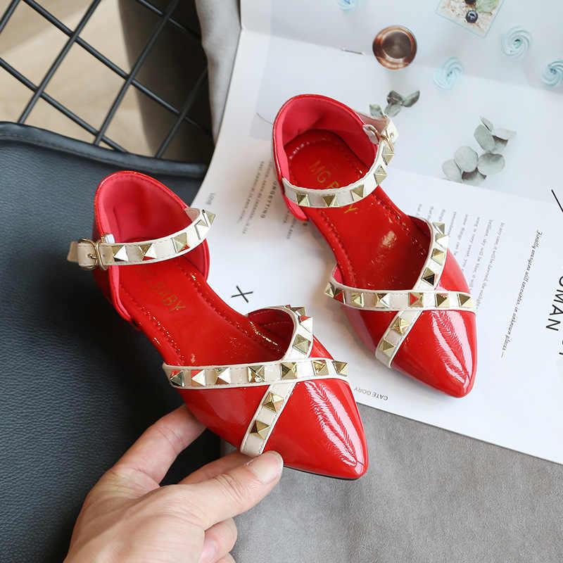 2020 ilkbahar yaz yeni koreli kızlar sandalet çocuk perçinler düz ayakkabı moda prenses ayakkabı vahşi Baotou