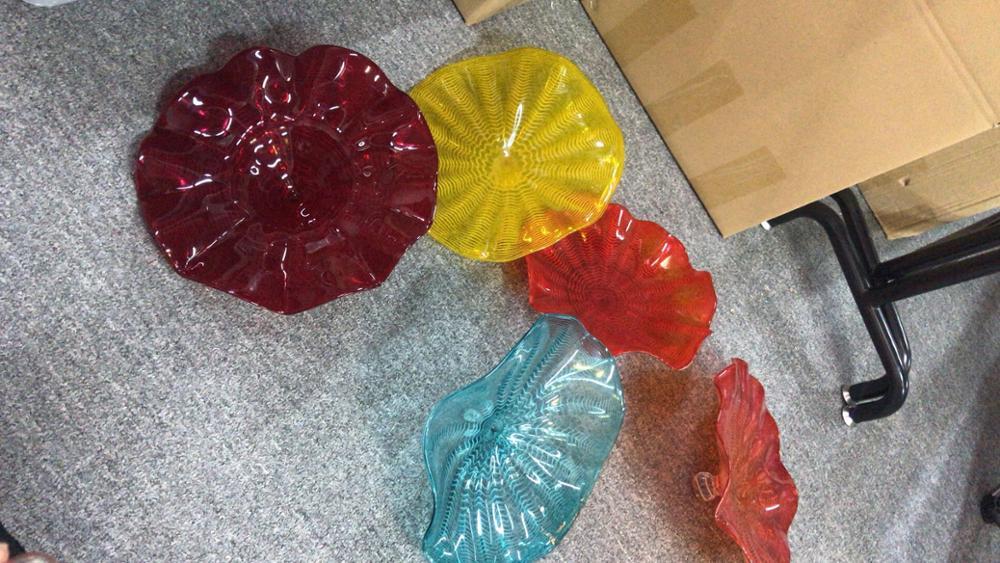 Красочные ручные выдувные стеклянные настенные художественные тарелки для рождественского декора стен отеля - 6