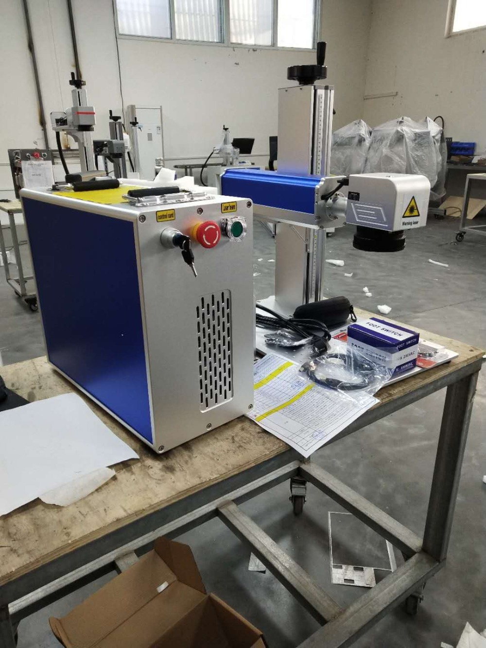 30W MAX Raycus And JPT Fiber Laser Marking Machine With 200-200mm Working Table
