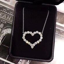 Huitan delicado oco coração pingente colar brilhante redondo zircão nupcial casamento jóias versátil instrução colares para mulher