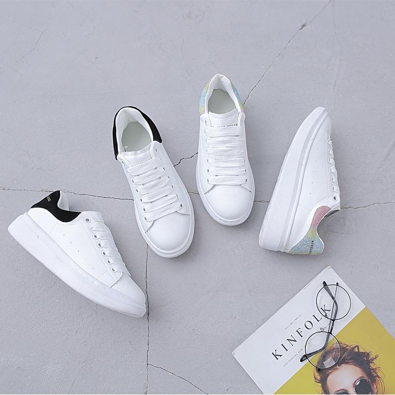 McQueen คนดังสไตล์รองเท้าสีขาวขนาดเล็ก 2019 ฤดูใบไม้ผลิสไตล์ใหม่สตรีรองเท้าหนังแท้รองเท้าหนังหน...