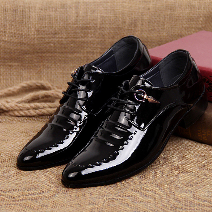 2019 New Fashion Italian Designer Formal Mens Dress Shoes Genuine Leather Black Luxury Wedding Shoes Men Flats Office Oxfords