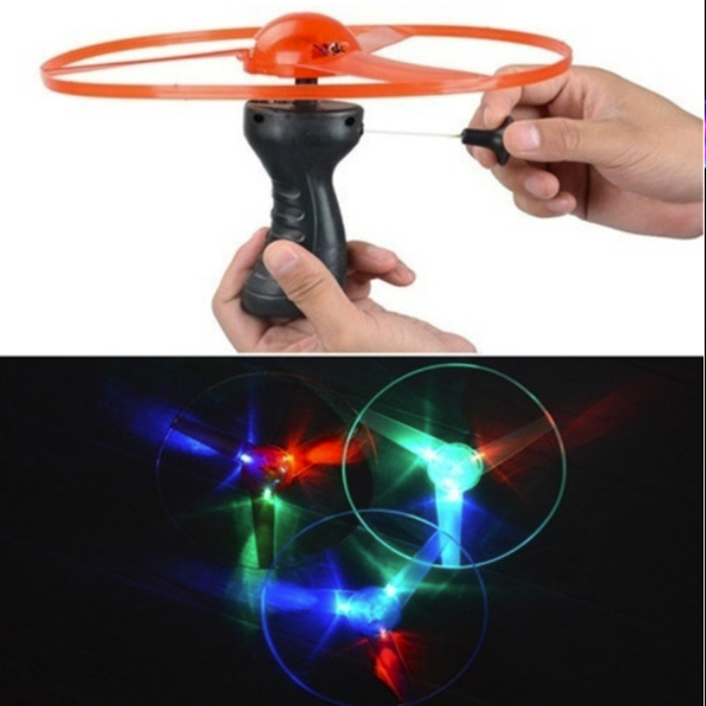 UFO LED Light Plastic Stay Wire Fans DIY Color Random Beautiful Outdoor New Year Gift Handle Flash Flying Toys Luminous Flying