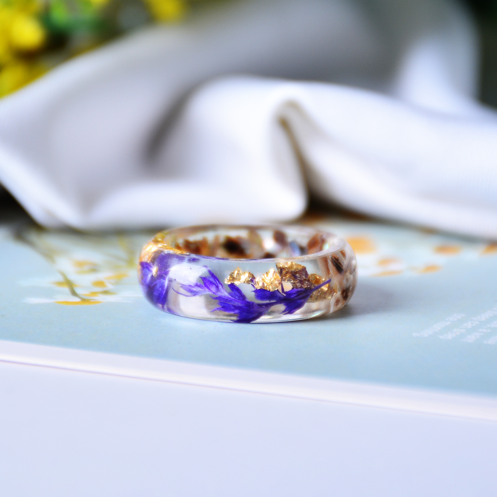 Ha784ee09230d46ffb98b231c9408330aq - Magic of Flowers Ring