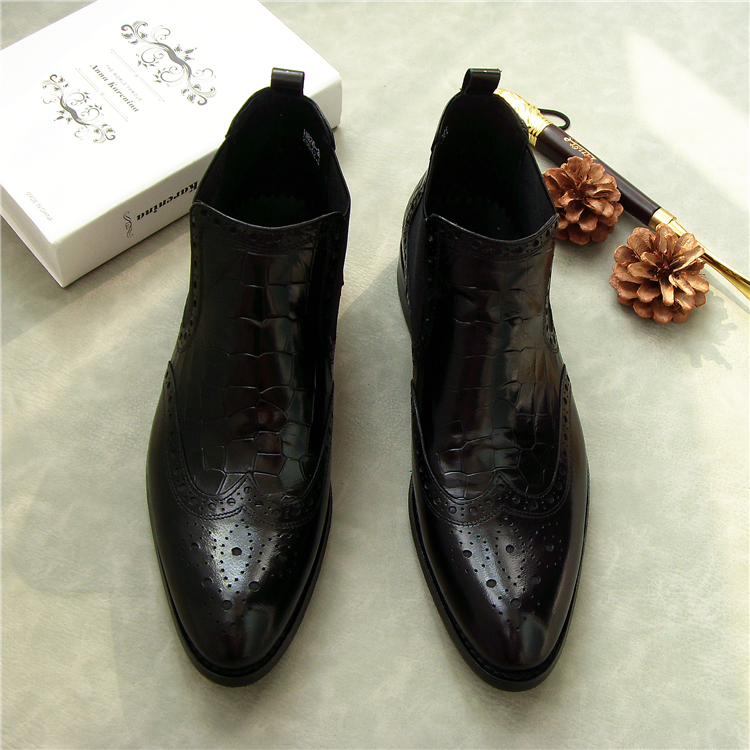 New Men  Slip-on Black Boots Genuine Leather Pointed Toe Dress Shoes  Fashion High-top Carved Ankle Boots