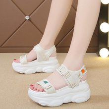 Summer 2020 new fashion wild daddy shoes beach thick-soled sandals female fairy style increased sports Z916