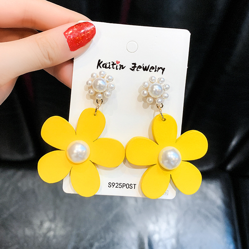 Big Yellow Wooden <font><b>Flower</b></font> <font><b>Earrings</b></font> <font><b>for</b></font> <font><b>Women</b></font> Girls <font><b>2019</b></font> <font><b>Statement</b></font> Pearl <font><b>Flower</b></font> <font><b>Earrings</b></font> Summer Jewelry Elegant Gift image