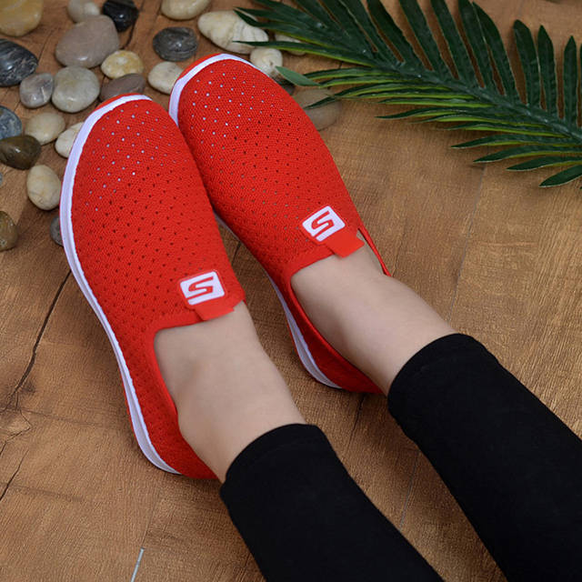 Net shoes female flying woven breathable mesh surface summer set foot flat shoes women's running shoes wild ultra light walking