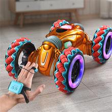 Nieuwe 2.4G Gebaar Sensor Twisted Auto Lichte Muziek Afstandsbediening Stunt Auto Dansen Rc Speelgoed Rc Auto Voor Kinderen geschenken Rc Speelgoed Rc Model