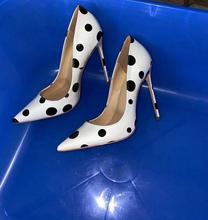 حذاء نسائي أبيض أحمر بمقدمة مدببة بكعب عالي سهل الارتداء بكعب ستيليتو مناسب لحفلات الزفاف والحفلات الراقصة حذاء متوفر بمقاس كبير 46 100% صورة حقيقية