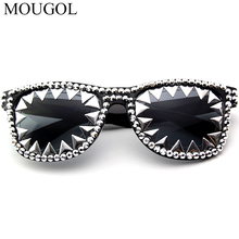 2019 new hot sale Halloween funny sunglasses mens rice studded triangle lace sun glasses dance party decorative