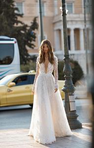 Image 3 - Платье свадебное кружевное с длинным рукавом, V образным вырезом и шлейфом