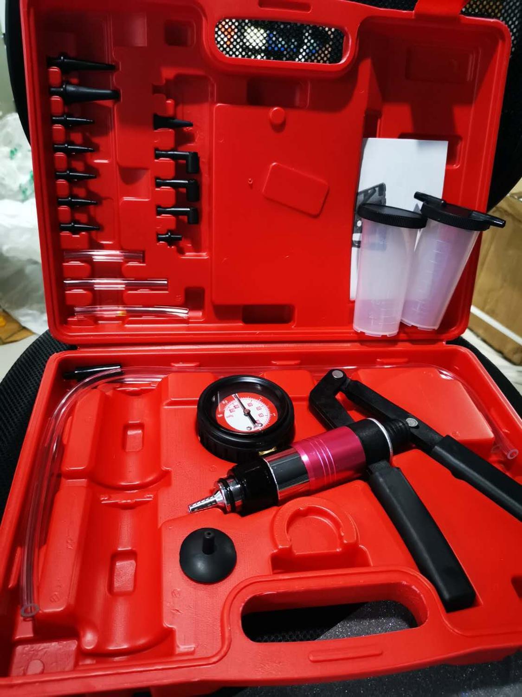 Yeni çok fonksiyonlu el tipi vakum pompası test kitleri fren hava alma komple Set fren hava alma vidası adaptörü taşıma çantası