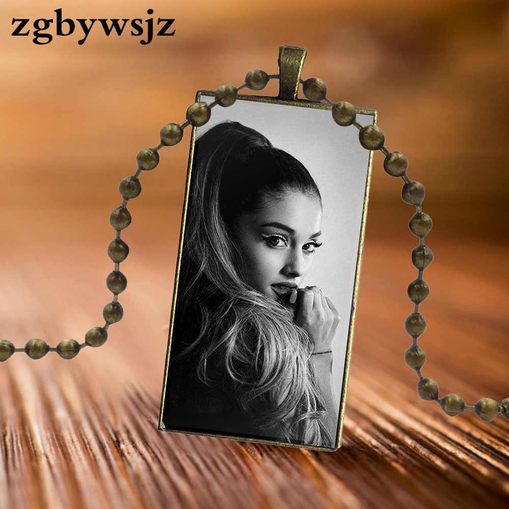 Untuk Hari Valentine Hadiah Bintang Pop Seksi Seperti Ariana Grande Desain Fashion Vintage Glass Wanita Persegi Panjang Kalung Nama Liontin