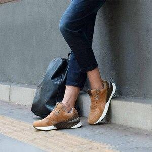 Image 2 - Xiaomi Mijia حذاء جري من الجلد الطبيعي المتين ومسامي ، أحذية رياضية ريترو ، 2020