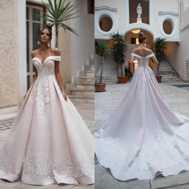 2020 Bohemian Wedding Dresses Off Shoulder Sweetheart Lace Appliques Bridal Gowns Backless Sweep Train A-Line Wedding Dress
