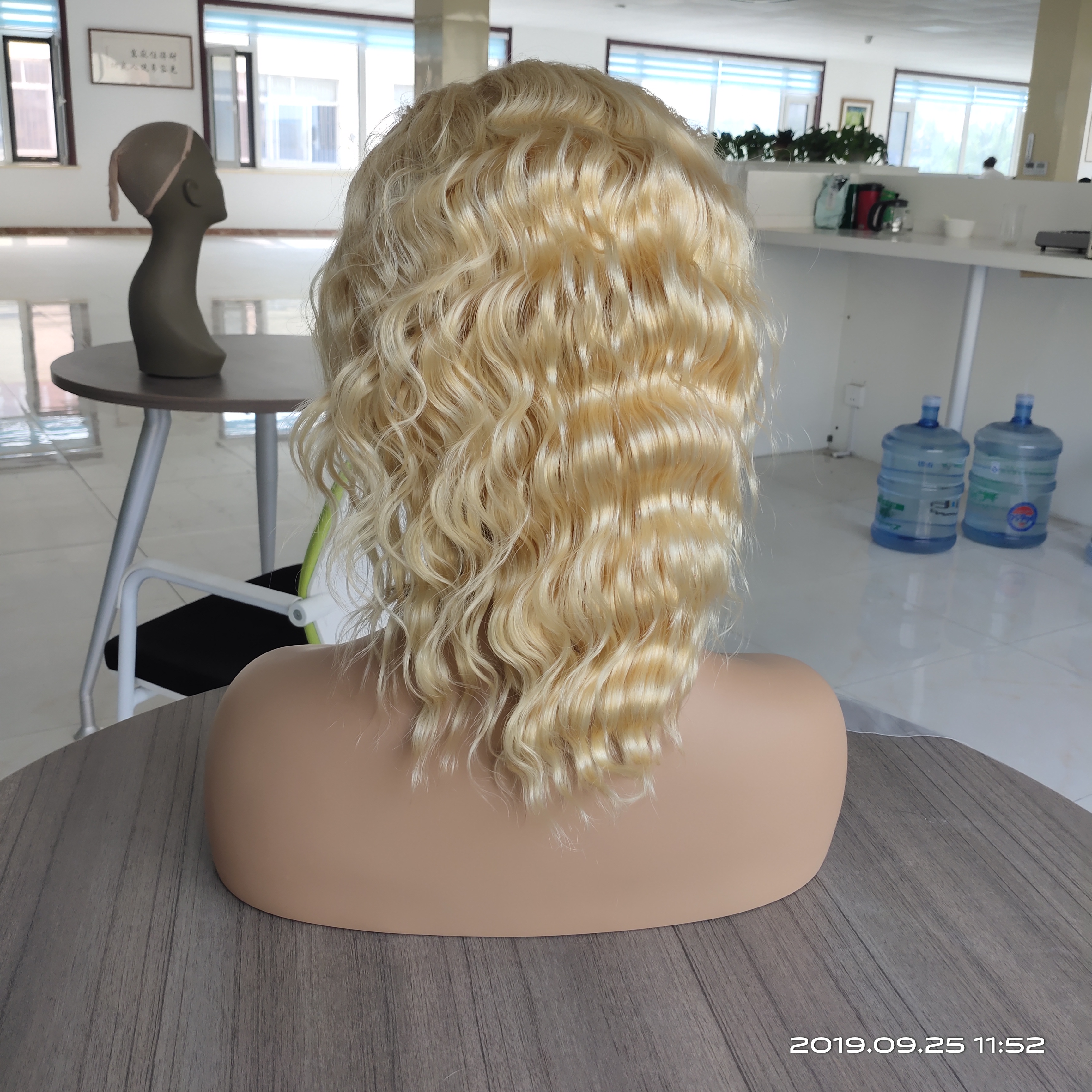 Image 4 - 613 Blonde Lace Front Wig Deep Body Wave Ombre Human Hair Wig Brazilian Remy Pre Plucked 13x4 Transparent Lace Wigs 150% Density-in Human Hair Lace Wigs from Hair Extensions & Wigs