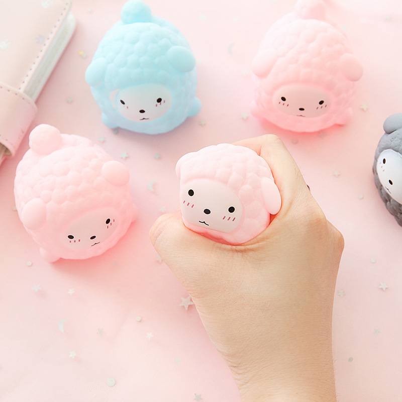 2019 Novelty Gift Little Sheep Vent Ball Action Figure Soft Doll Relax Squeeze Stress Relief Toys Bath Toy