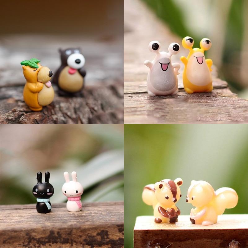 BAIUFOR 2pcs/lot Miniatures, Fairy Garden Decor, DIY Terrarium Figurines, Mini Swan Frog Squirrel Cat Bear Rabbit Duck Snails