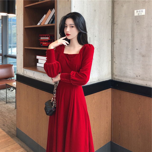 Autumn and winter 2021 new gold velvet dress women French retro square collar waist Office Lady  Knee-Length 2