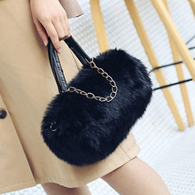 Zwarte Schoudertas Mode Faux Fur Handtas Zachte En Comfortabele Suede Handtas Ronde Herfst En Winter Hot Mini Parel Ketting tas(China)
