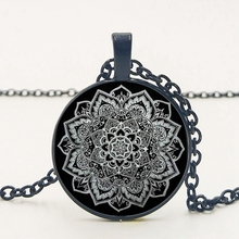 2019/New Hot Indian Mandala Flower Glass Pendant Necklace 3 Color Tattoo Flower Black Chain Necklace Pendant Jewelry. cd roxette good karma