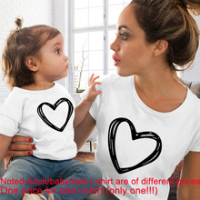 Funny Family Look Mom Baby Heart Print Mother Daughter Spring Summer Kids Clothes Matching O-neck T Shirt Price for One Clothes(China)