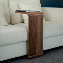 Mesa auxiliar de madera maciza nórdica moderna minimalista sofá mesa de esquina pequeño apartamento sala de estar mesa de centro negro nogal creativo