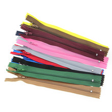 10 Pcs 3 18/20/25 Cm Nylon Zipper untuk Menjahit Gaun Close-End Ritsleting(China)