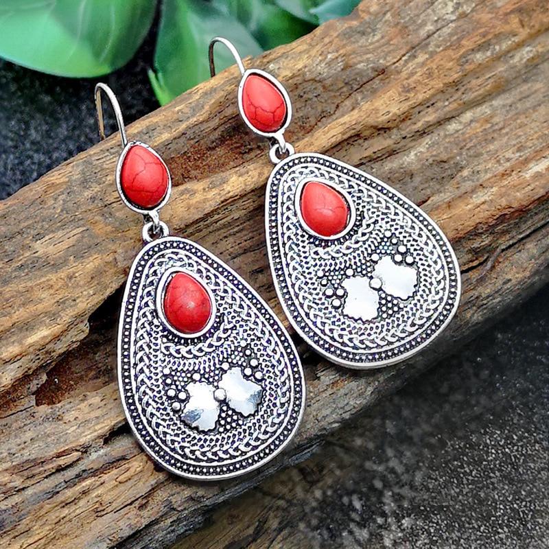 M004 earrings