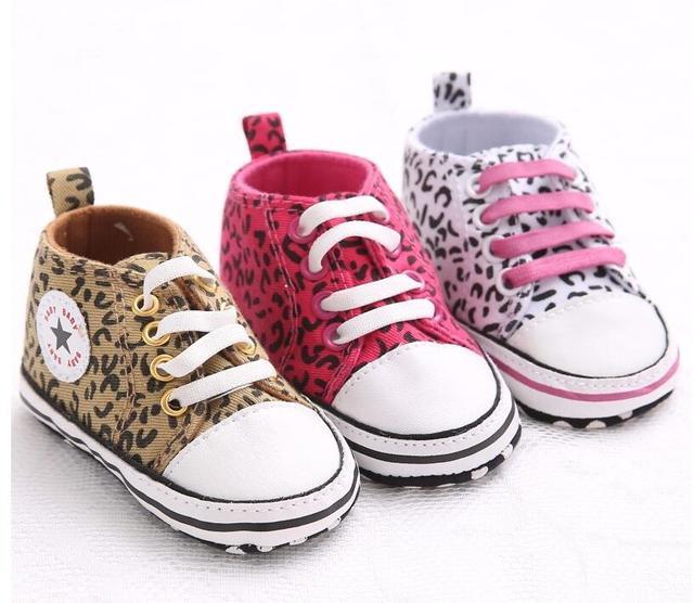 Baskets solides en coton | Chaussures de bébé, garçon et fille, étoile, semelle antidérapante souple, nouveau-né, premiers marcheurs bébés, chaussures de berceau en toile décontractées