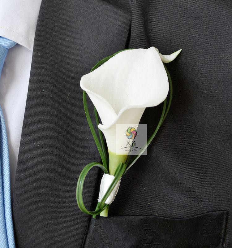 Da sposa Bianco di Seta Calla fiore di Giglio Fiore All'occhiello Dello Sposo Spilla Asole Groomsman best Uomo Spille Fiori A Mano Accessori da sposa Prom