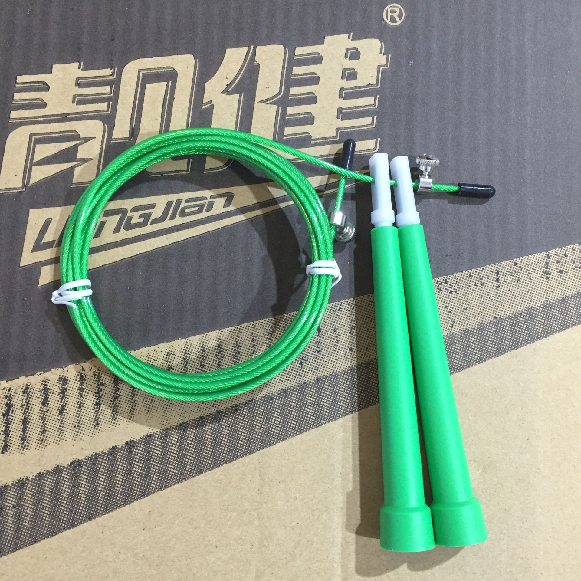 Manufacturers Direct Selling Liang Jian Steel Wire Jump Rope  Speed Jump Rope Plastic Handle Fitness Gift Exam Jump Rope