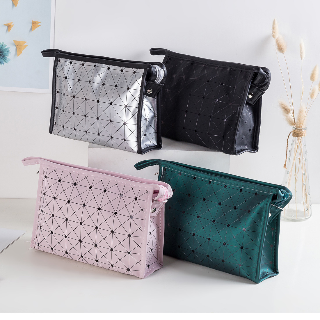 Women Cosmetic Bag Fashion PU Leather Travel Make Up Necessaries Organizer Zipper Makeup Case Pouch Toiletry Kit Lady Makeup Bag