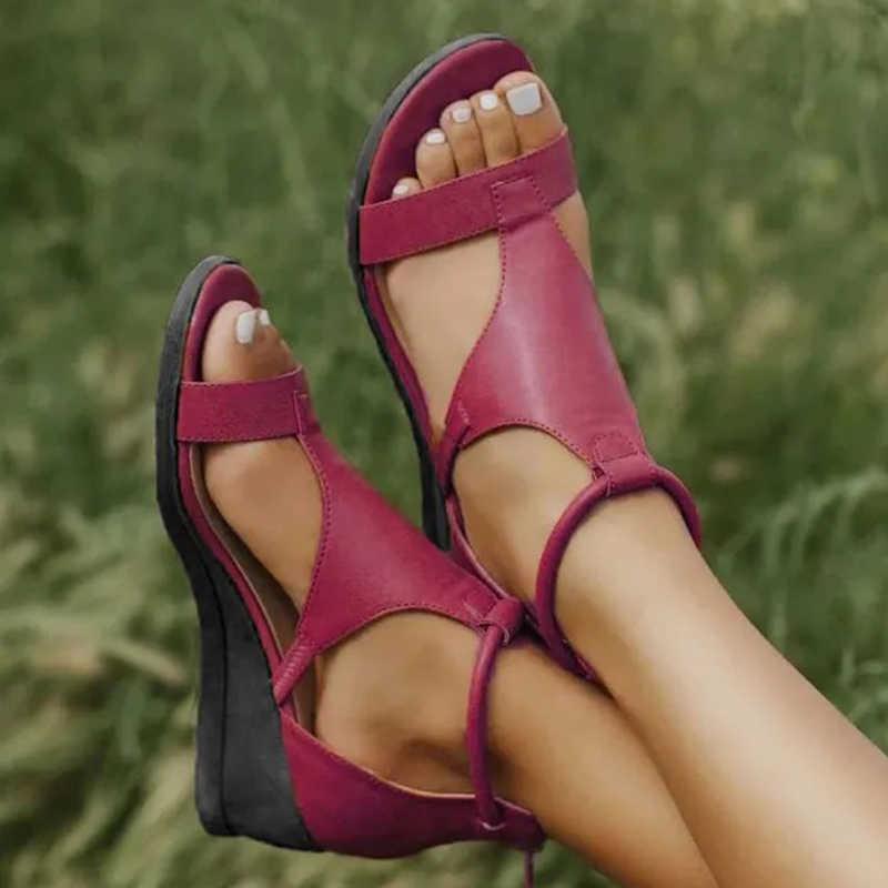 Yaz kadın sandalet kadın takozlar ayakkabı kadın gladyatör bayanlar Vintage PU deri kadın moda rahat ayakkabı artı boyutu