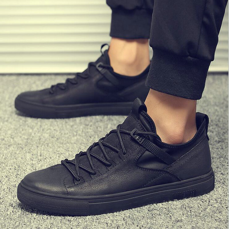 New Hot sale fashion male casual shoes all Black Men s leather casual Sneakers fashion Black