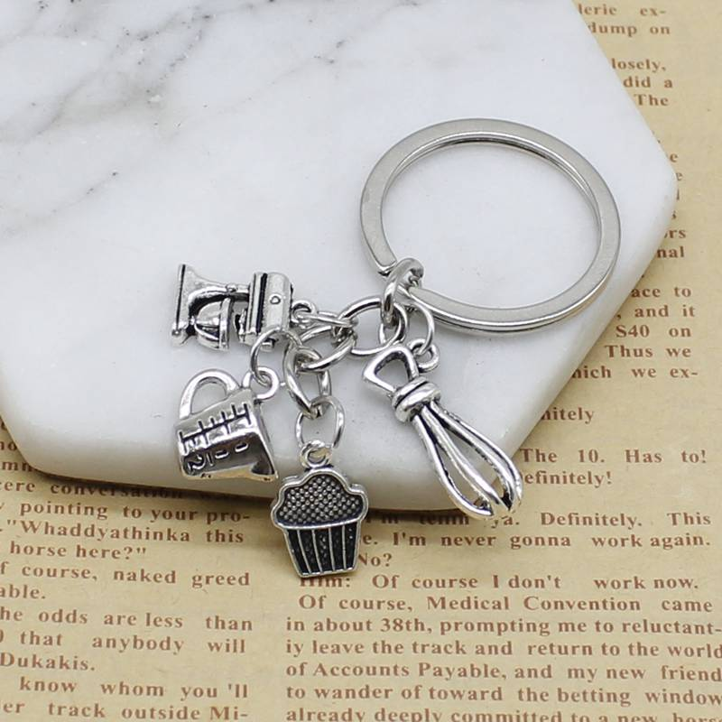 1 Piece Kitchen Keychain Recipe Paper Cup Cake Charm For Chef Baker's Gift Baking Accessories Cake Maker Keychain