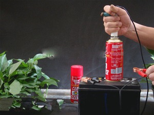 Image 5 - אוניברסלי רכב דלק Injector ניקוי מנקה כביסה כלי מתאם עם 2 חרירים DIY רכב אופנוע אביזרי סומק