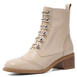 Image 2 - FEDONAS kadınlar klasik kare ayak yarım çizmeler kış sıcak hakiki deri Brogue çizmeler parti rahat ayakkabılar kadın yeni yüksek topuklu