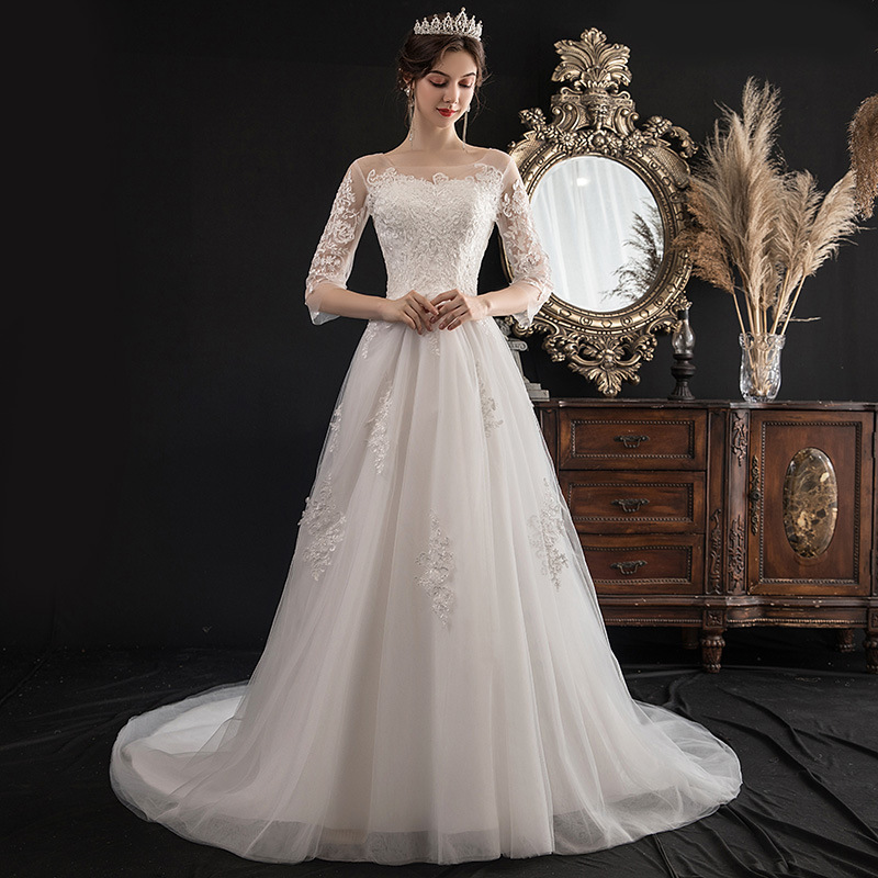 Women's round neck wedding gown lace up marriage gown women's A line wedding dress anniversary bridal gown white gown with train